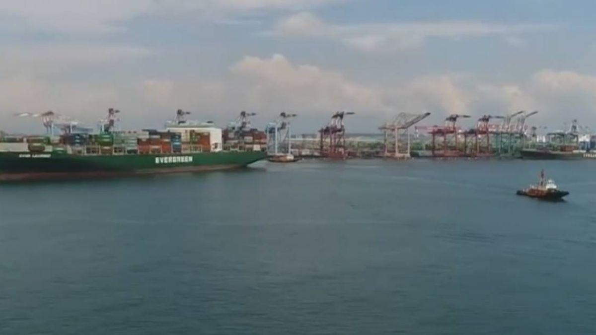 高雄港貨輪漁船舢舨互撞 2漁民落海獲救送醫