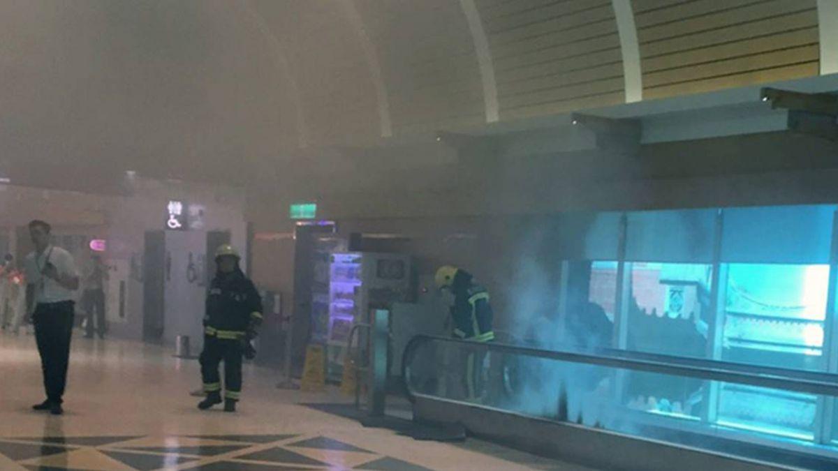 緊急疏散旅客!桃機電走道故障冒煙 4離境航班受影響
