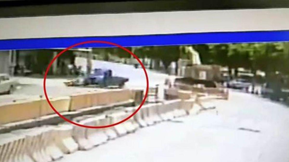 驚悚畫面曝光!14歲國中生載妹 高速撞擊小貨車噴飛