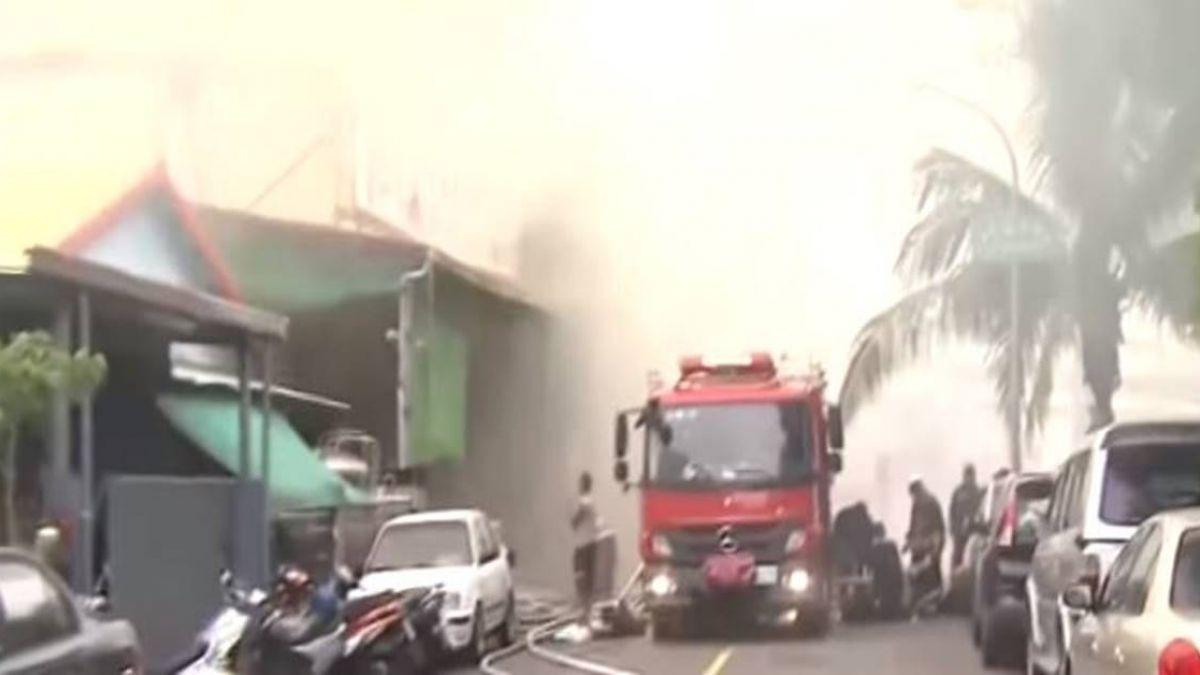 中藥工廠失火濃煙竄天際 員工及時逃出無人傷
