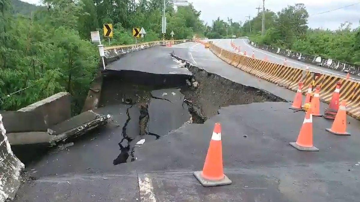 連日豪大雨!台28線路面塌陷 西向車道封閉中