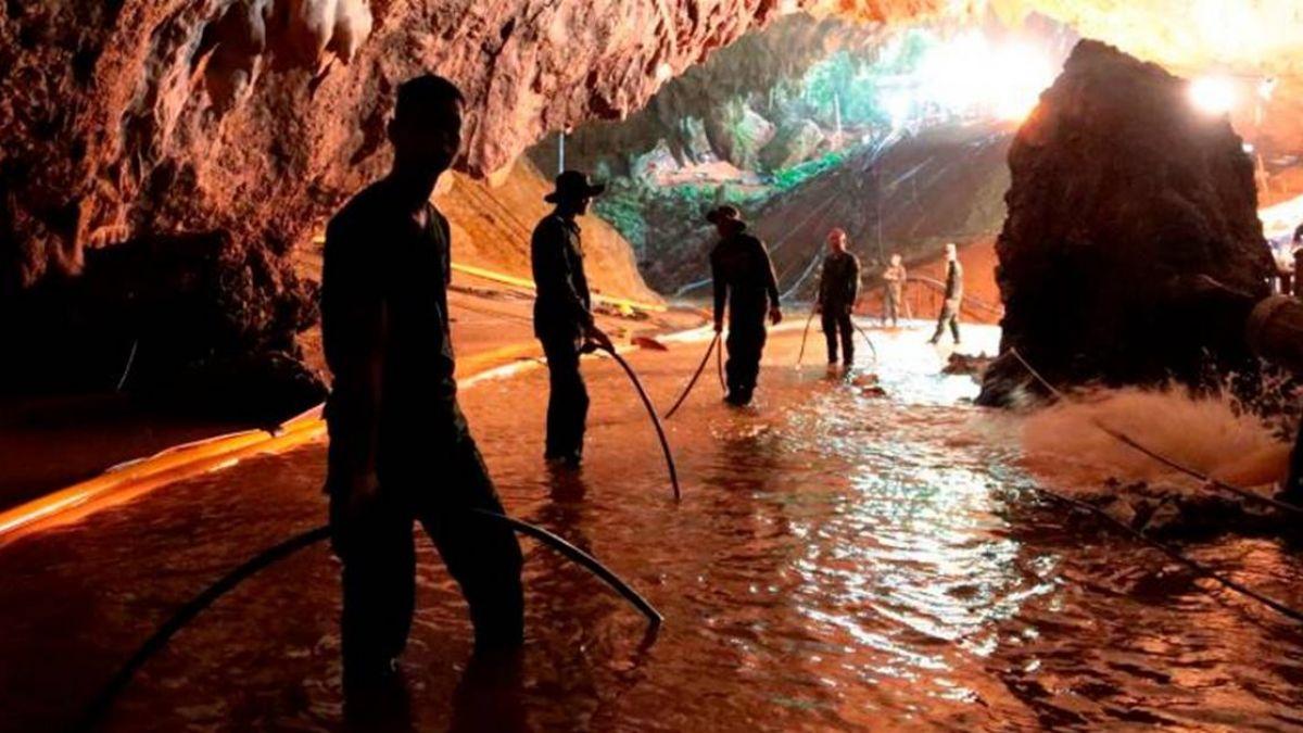 【不斷更新】泰北洞穴救援行動 官員:已有4名足球小將獲救