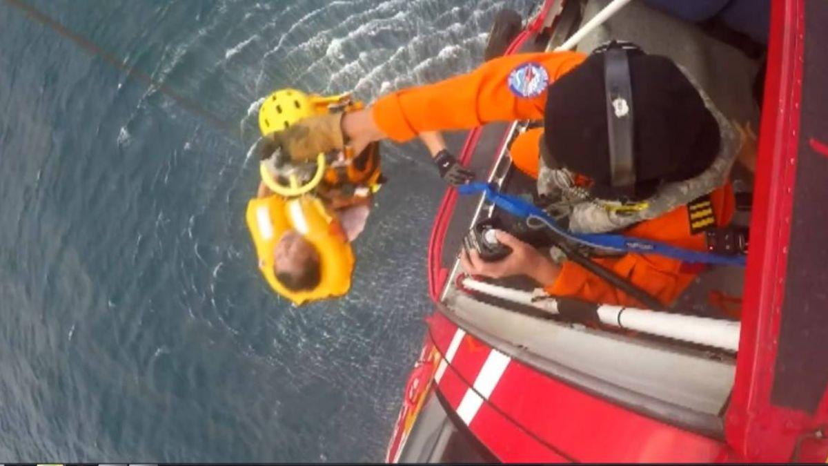空難!安捷訓練機突失動力往下墜 直擊搜救1.5小時順利救援