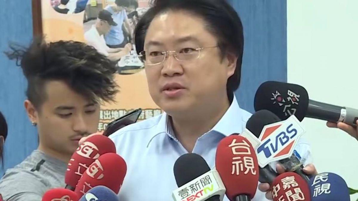 颱風假互槓 林右昌點名朱立倫:在國外怕被罵