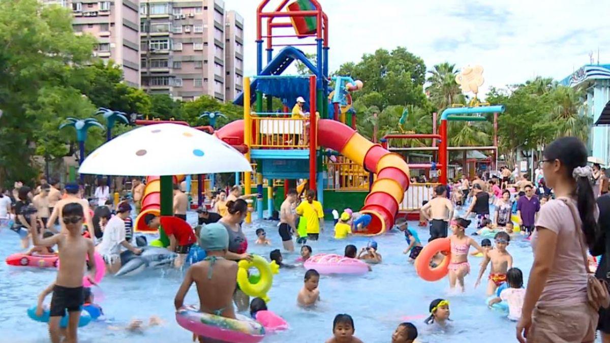 夏日消暑勝地!自然水園區超夯 一天3千人擠爆水池