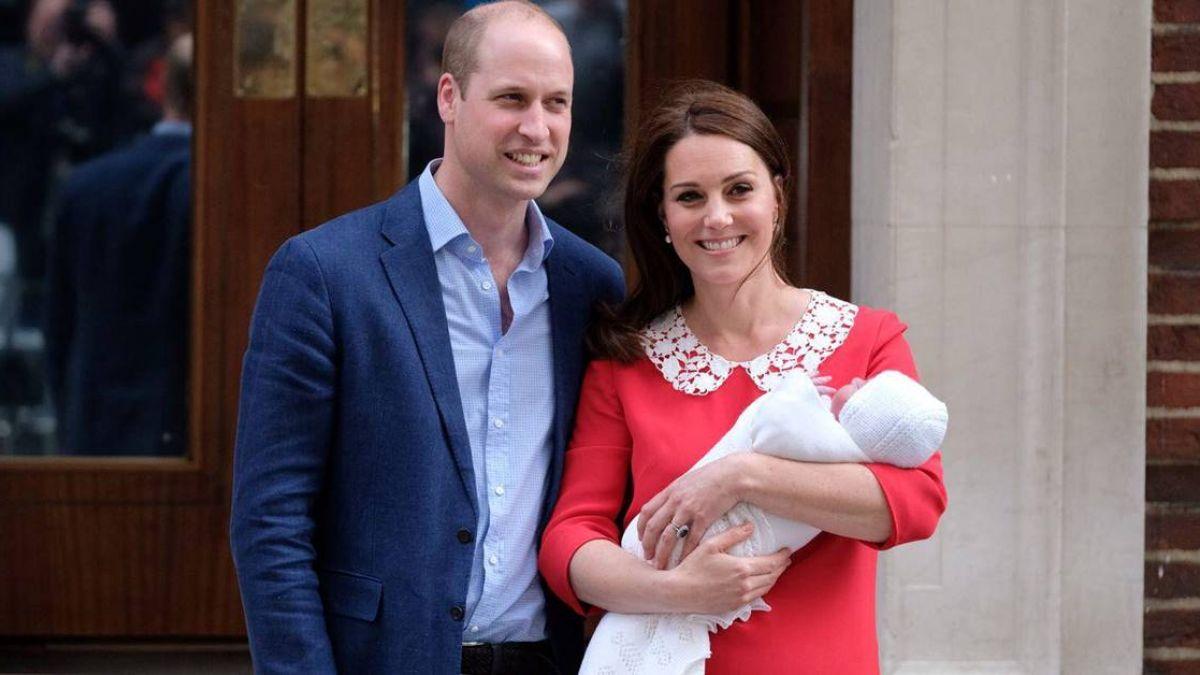 英王室公布全家福 威廉一家五口首次同框