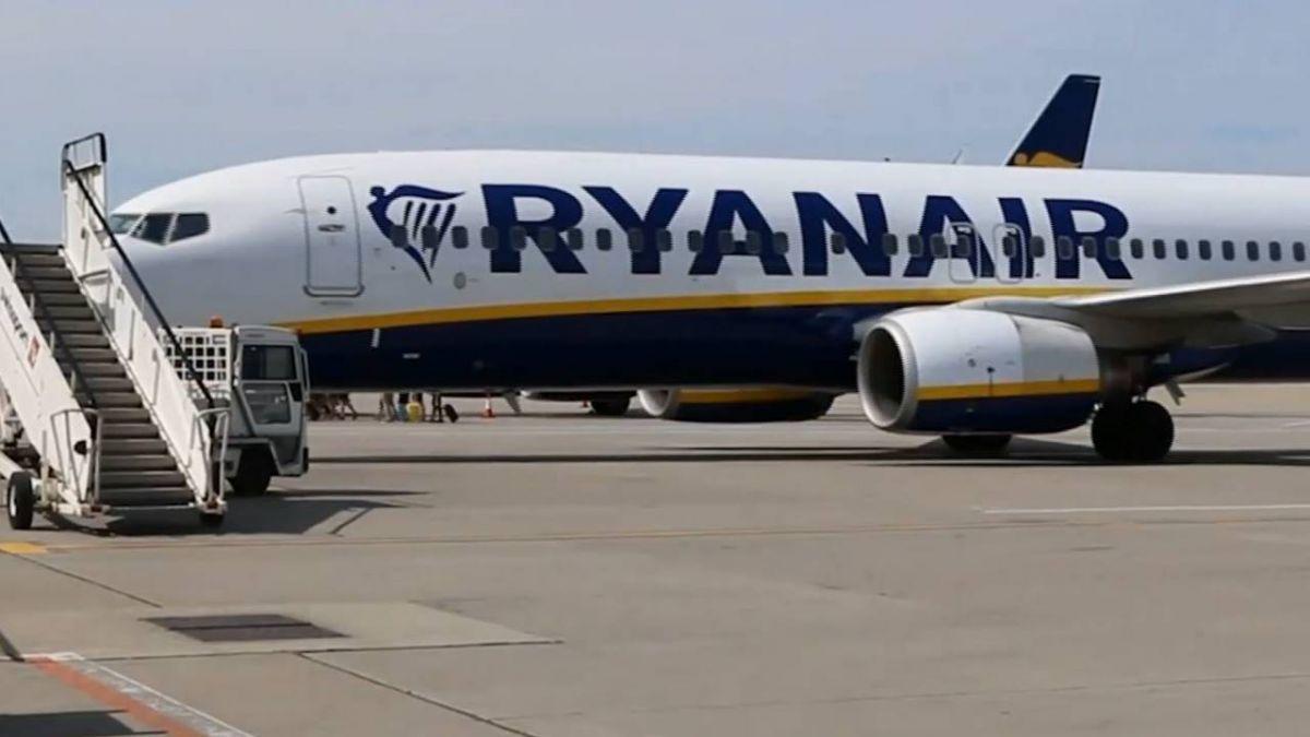 瑞安航空客機失壓 7分鐘急降2.7萬英呎