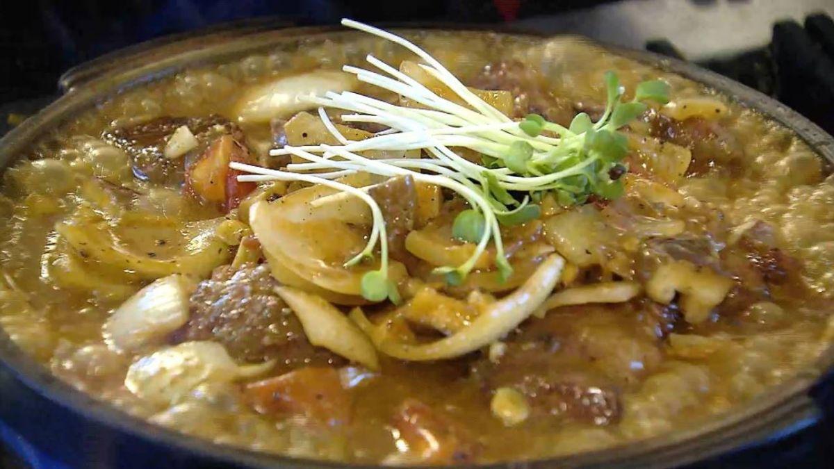 【獨家】超霸氣! 生猛龍蝦黃金鍋 鮮蚵、魚肉湯熬8小時