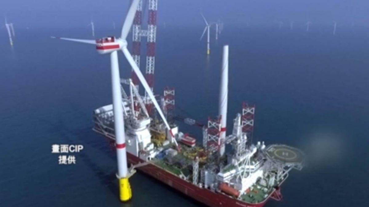離岸風機鑽探船來了!最深可探海底3千公尺 台中港登船直擊