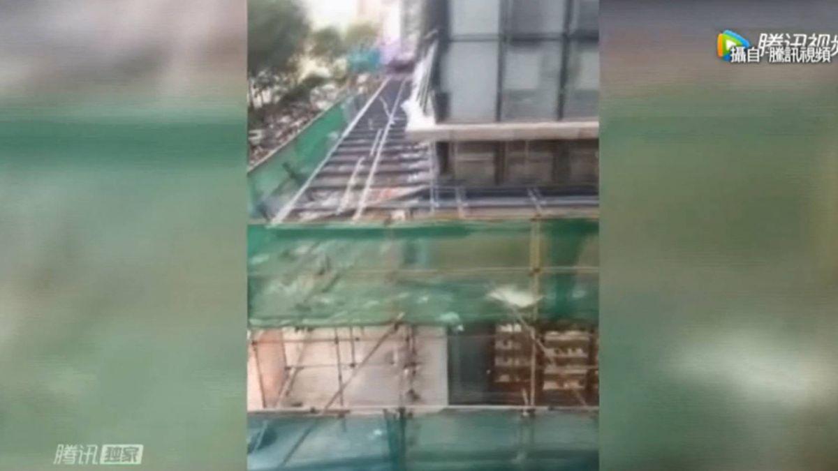 餐廳氣爆炸飛外牆 從3樓坍塌砸死路人 12傷
