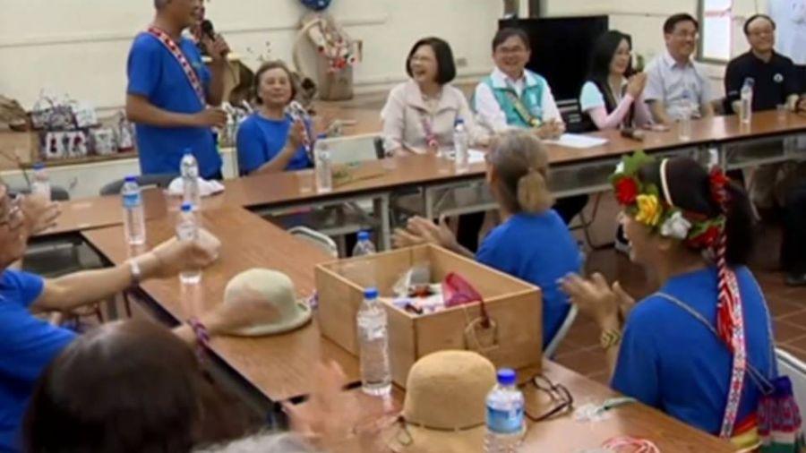 總統訪台東隆昌部落 允諾長照生活再加碼