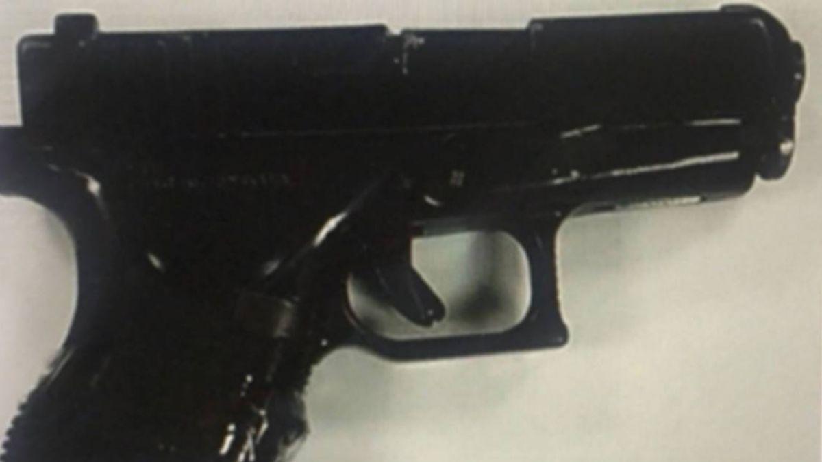 一路通過大門安檢!阿帕契601旅士兵 帶改造槍進營區轉賣