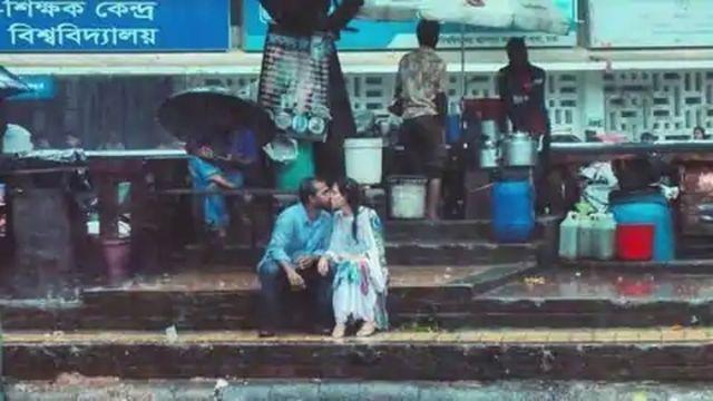 因拍攝一張「親吻照」被開除!孟加拉記者痛心回應