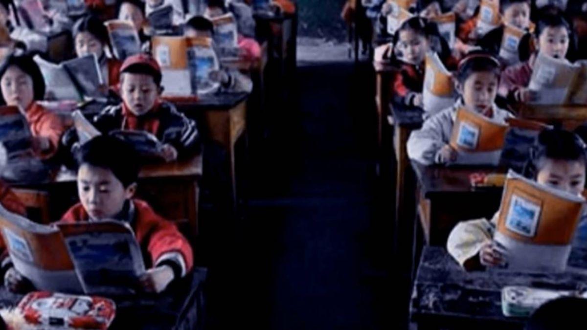 駭人25年!港「廣九鐵路」廣告 第7位小女孩?