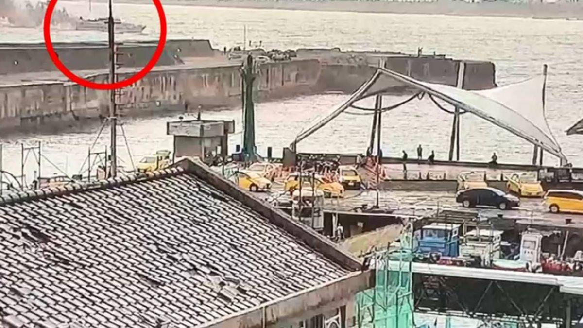台東客輪船尾冒黑煙!疑發電機起火2人受傷