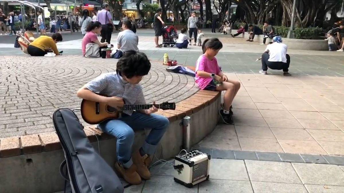 烏克麗麗一彈成名!台灣男孩高超技巧…樂迷瘋傳千萬次
