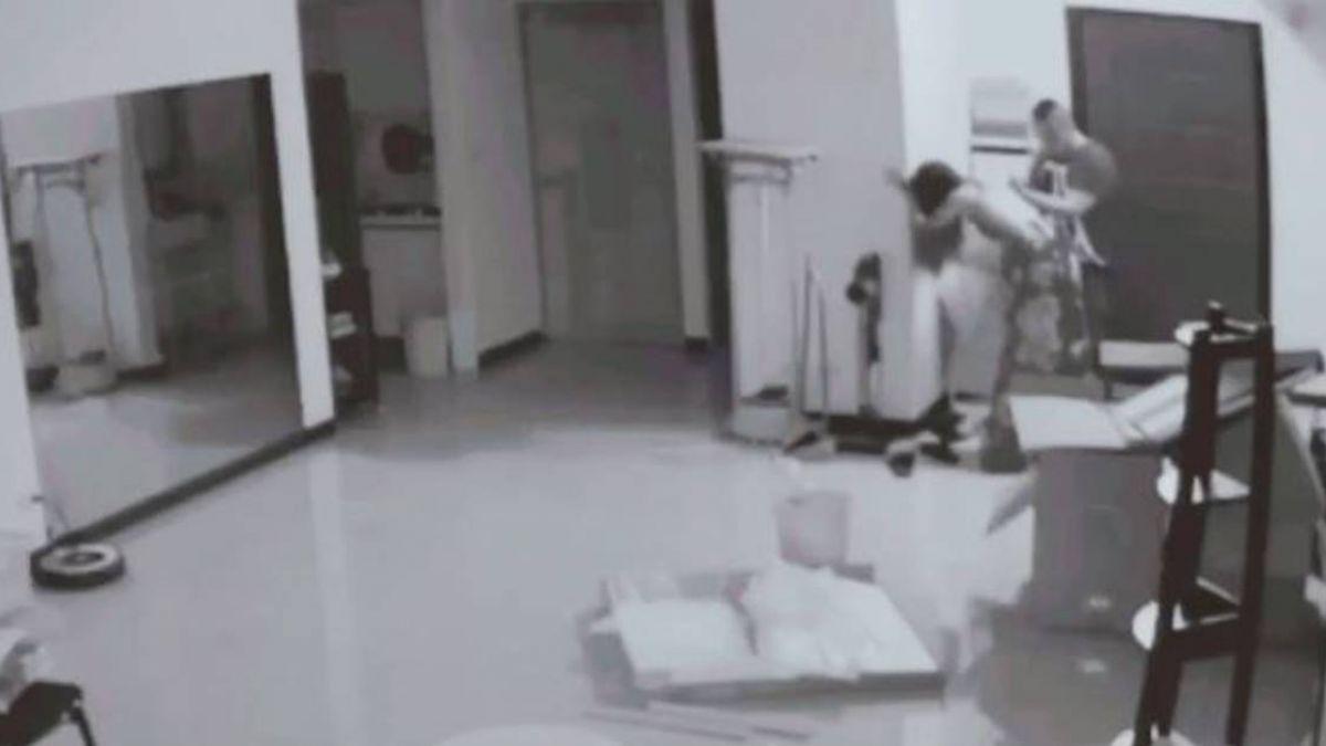 「馬上給我走!」女室友喝爛醉…陌生男扶進房 她霸氣趕人被讚爆