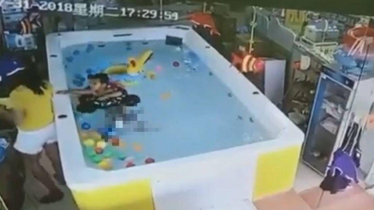 1歲女兒倒頭栽溺90秒!婦無視求救童 只顧滑手機