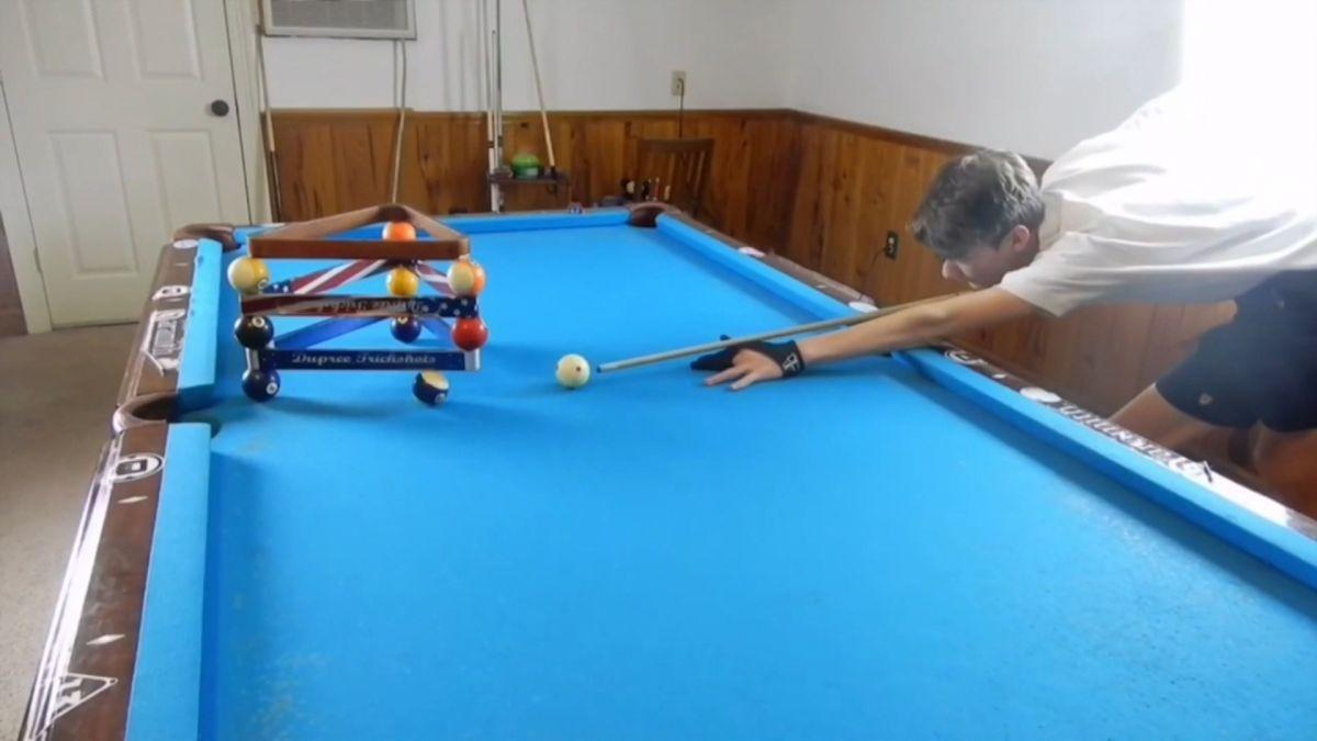 撞球魔術師!14歲少年大秀美技 網驚:無視物理法則