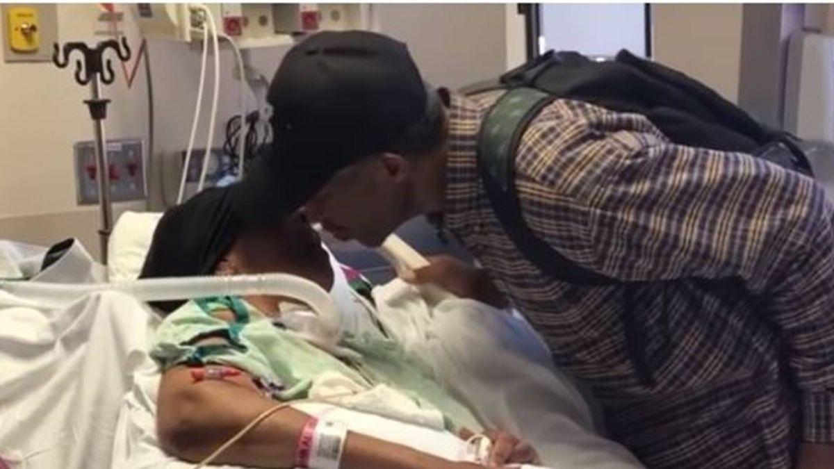 「我愛她」99歲翁每日徒步9km 睡醫院地板陪腦瘤妻