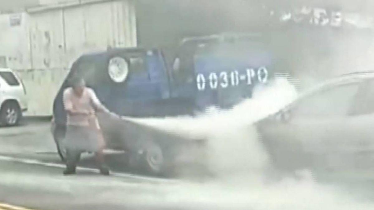 16年老車民代服務處前突起火 一度引「警」張
