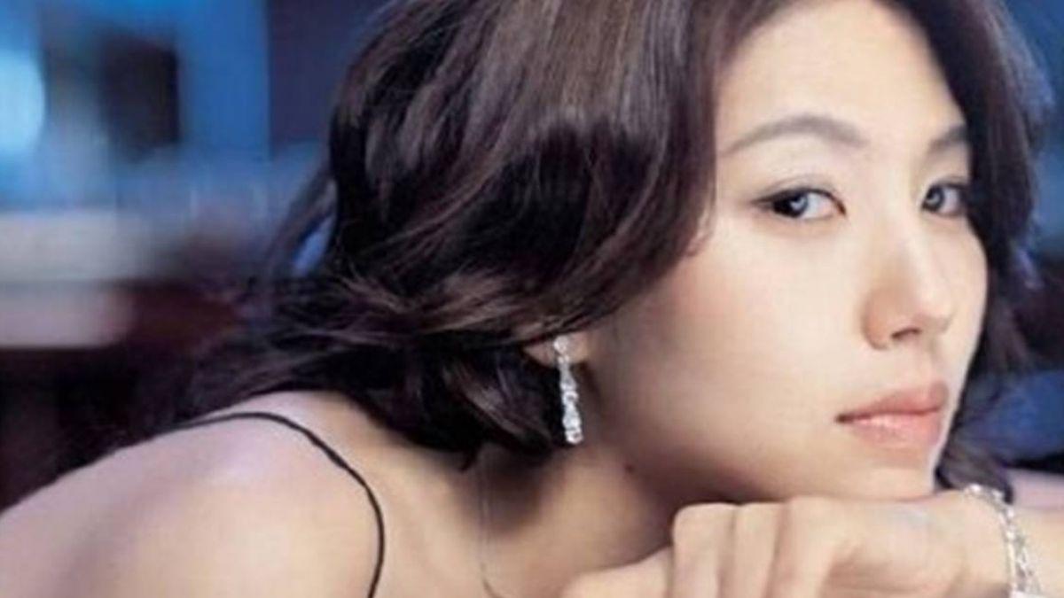 張紫妍翻版!女星被高層逼「塞玩具」 25歲憂鬱結束生命