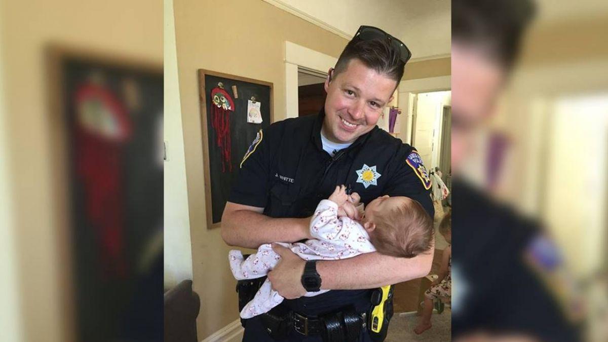 真是人民保母 加州警領養煙毒犯所生女嬰