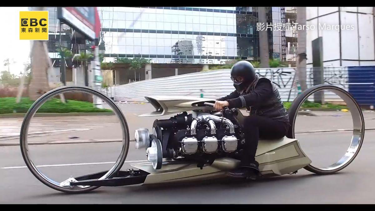 超狂摩托車裝載「飛機引擎」 36吋無框車輪如未來飛船!