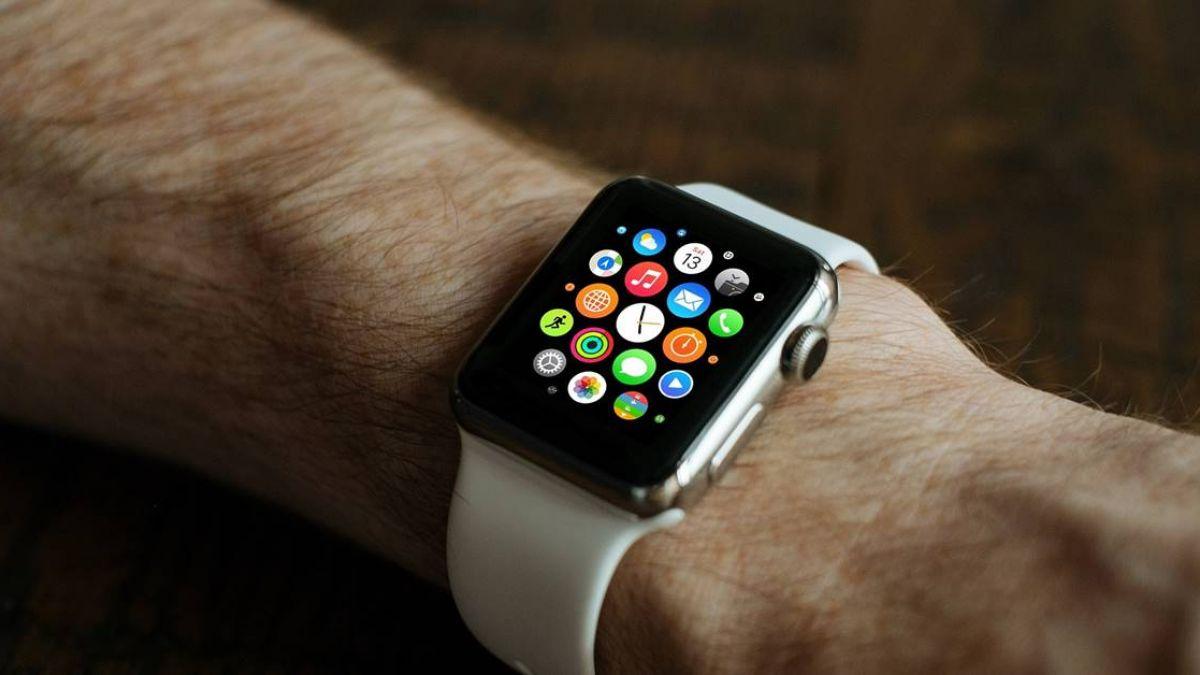 新款Apple Watch 螢幕加大可監測心臟