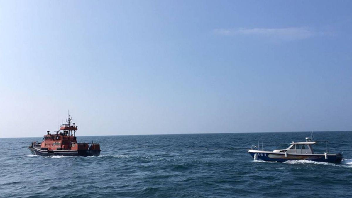 海釣船故障  海巡拖救人船平安