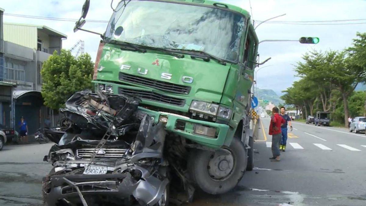 疑煞不住釀死亡車禍 肇事砂石車超重22噸