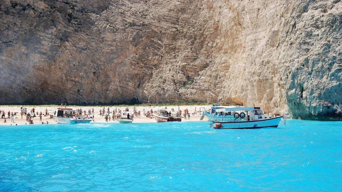 《太陽的後裔》場景 希臘「沉船灣」土石崩遊客驚逃