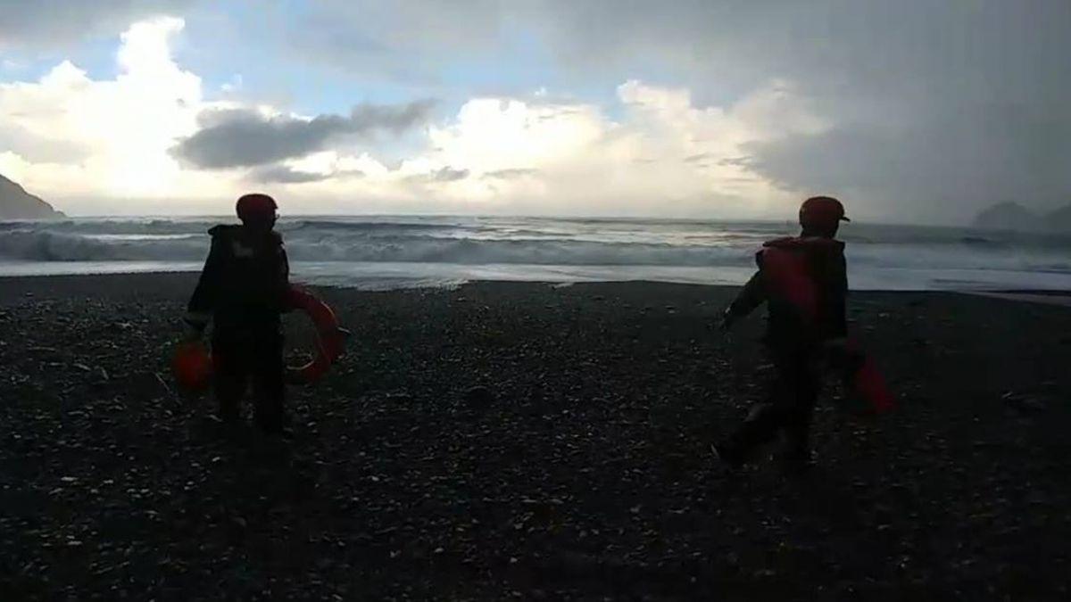 宜蘭又有遊客落海!女子粉鳥林海灘散步 遭浪捲走