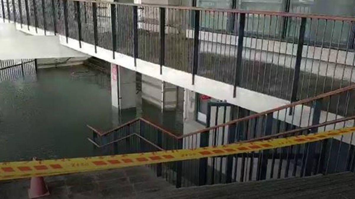 暴雨不斷!台東湧泉公園泳池大淹水 辦公室汪洋一片