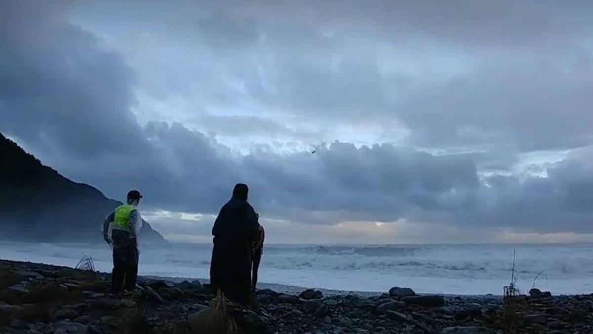 號稱「天堂祕境」!宜蘭粉鳥林海象險 落水意外頻傳