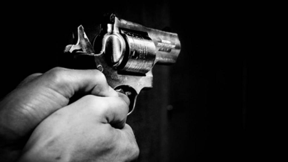 通緝犯拒捕逆向逃  員警對空鳴槍逮人