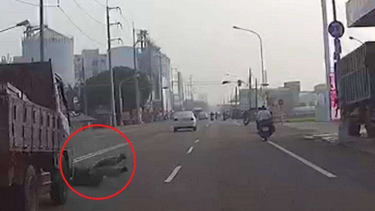 假碰瓷?男5秒撞車畫面瘋傳 警還原真相籲「別再罵」