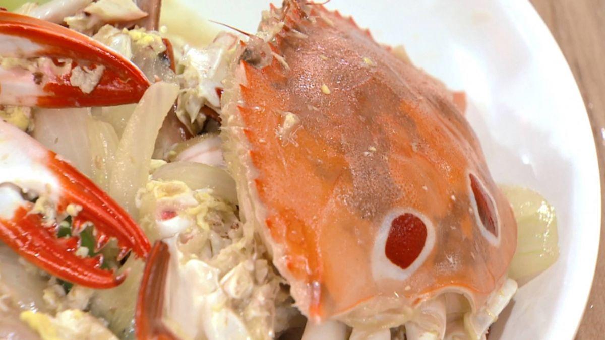 中秋搶「鮮」看!萬里蟹3隻100元 人潮擠爆龜吼市集
