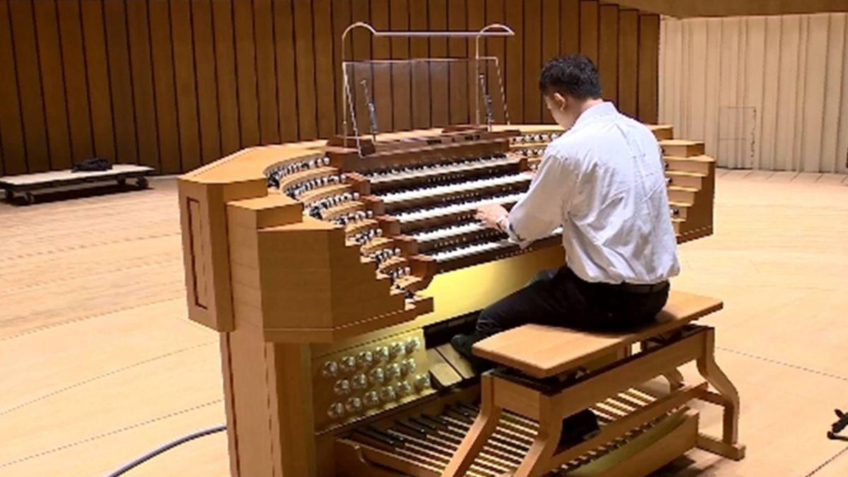 【獨家】亞洲最大管風琴在衛武營 BBC旅遊節目也來採訪