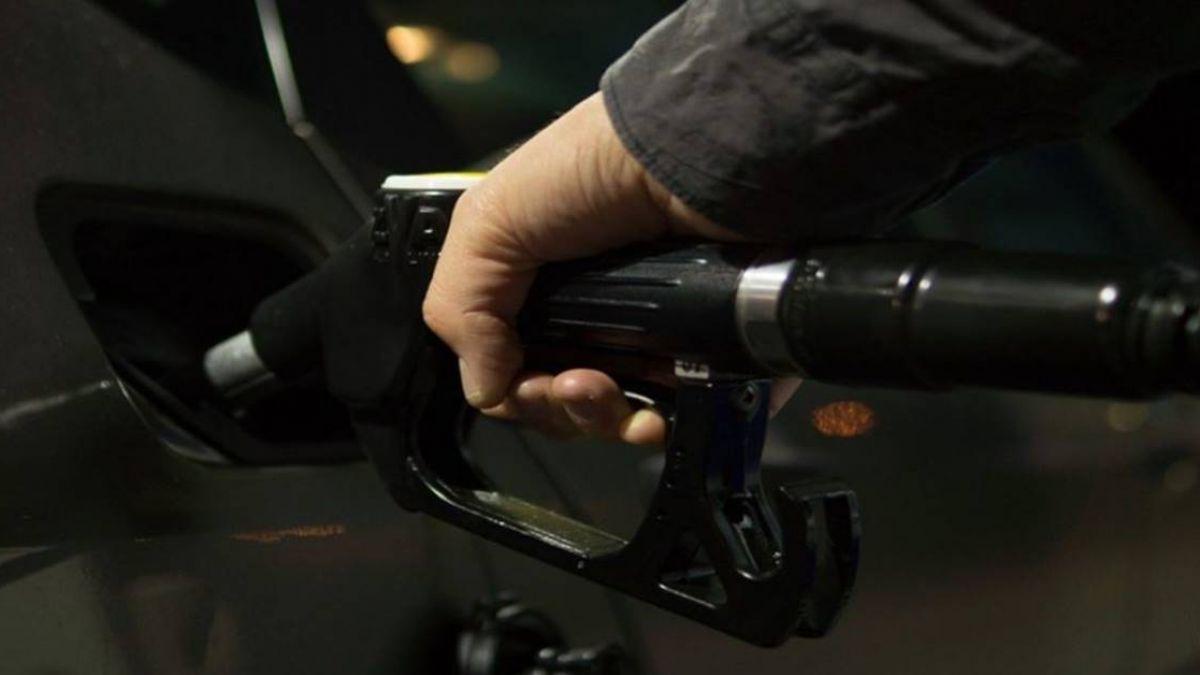 油價推高能源股Fed料升息 美股跌多漲少