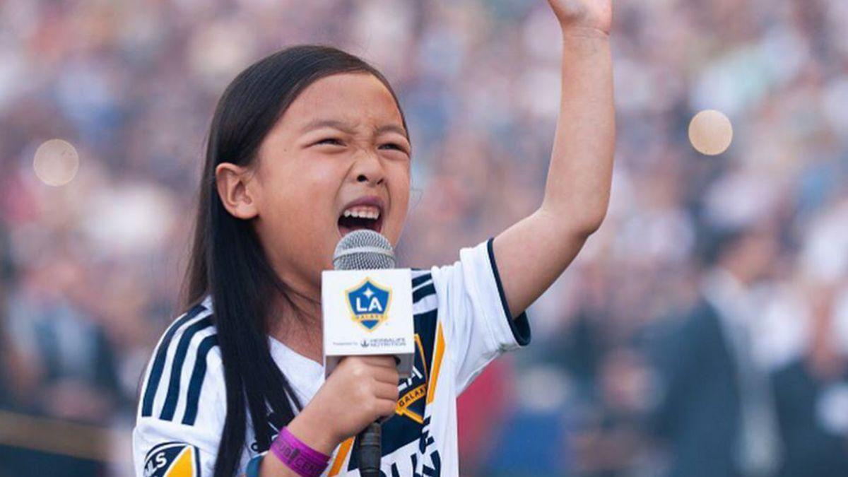 7歲亞裔童超齡演唱美國國歌 網讚:惠妮休斯頓第二