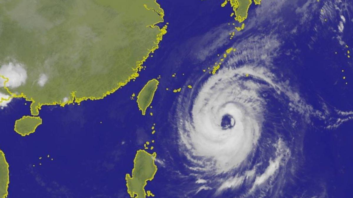 一張圖秒懂天氣!中颱潭美「眼睛超大」 週五六接近台灣