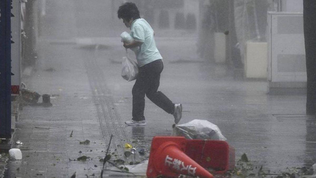 颱風「潭美」挾暴雨貫穿日本釀5傷 至少386航班取消