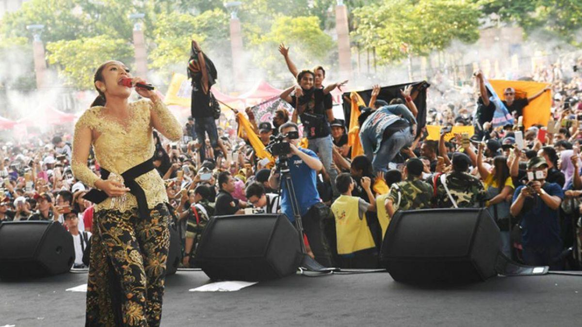 印尼天后席蒂新北演唱 上萬印尼移工塞爆會場