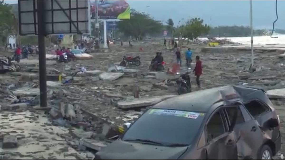 印尼海嘯恐吞數千人!海岸線災後直擊畫面 房屋全毀