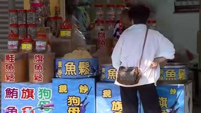 【影片】梧棲漁市傍晚現人潮 攤商:三點過後促銷