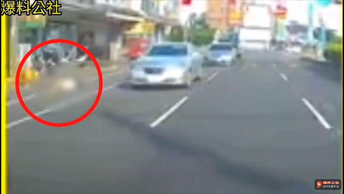 【影片】開車一轉彎...驚見女墜樓 駕駛嚇傻慘叫:有人掉下來!X小阿