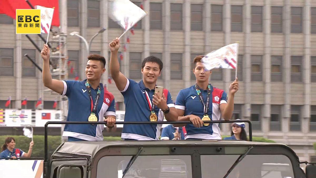 【影片】國慶遊行亞運健兒打頭陣 ! 幻象戰機畫完美句點