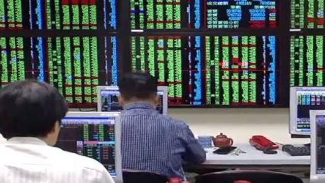 【影片】台股跌破萬點! 賴清德:對台灣有信心不必恐慌
