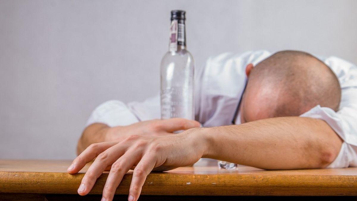 公司聚餐玩太嗨!男喝醉遭撿屍 3個月後發現肛門長菜花